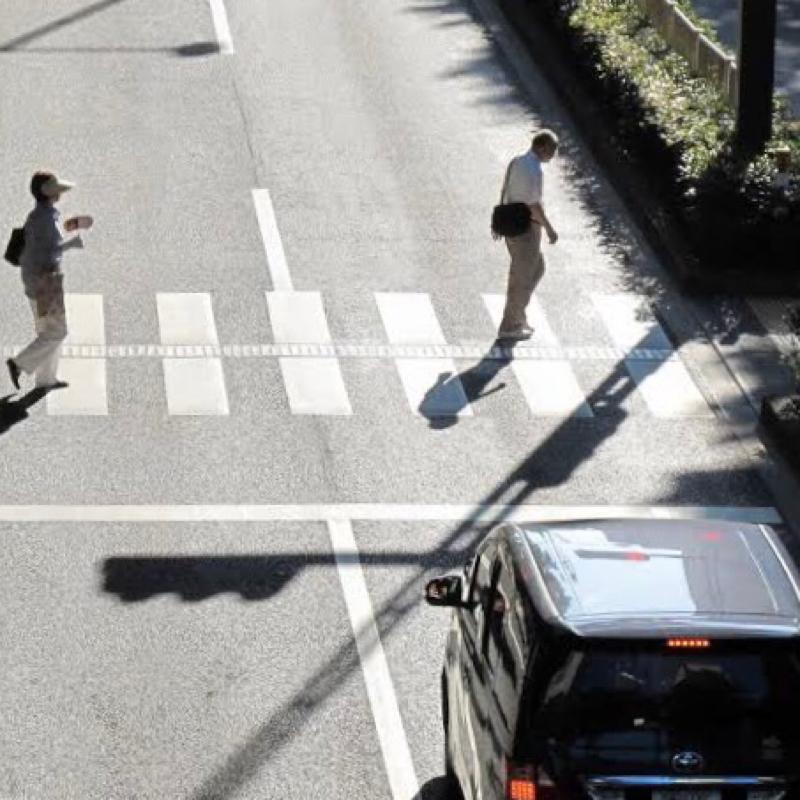 #10 横断歩道で車が停まってくれない件