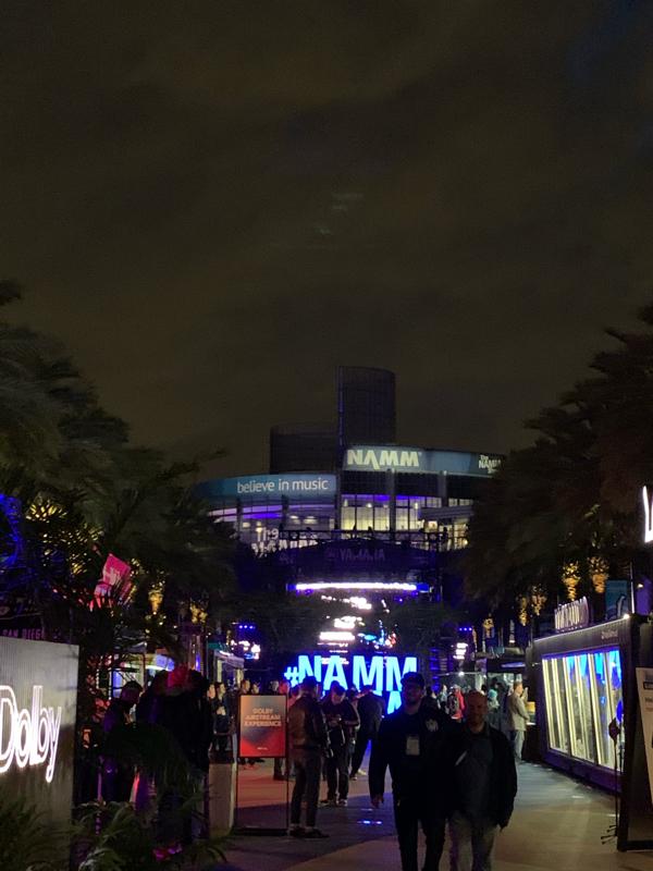 NAMM Show 1日目!すごい盛り上がりレポートー!