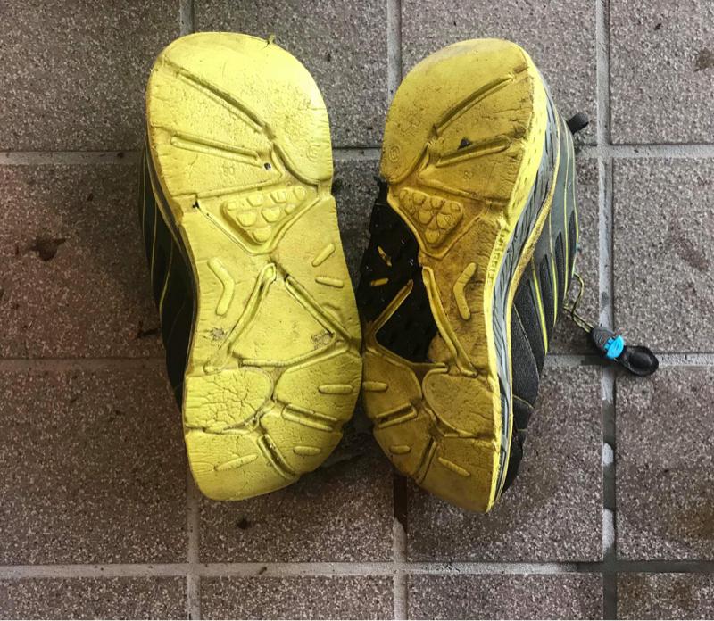 ドラゴンズ応援、100マイルレース報告、靴底が取れました