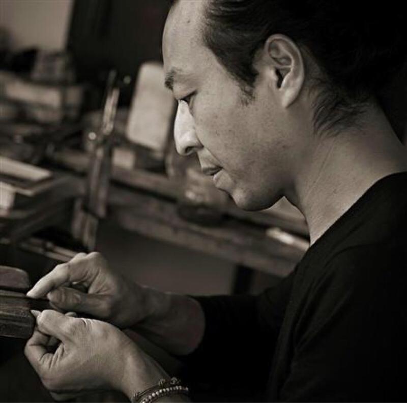 羽根の彫金作家 秋濱克大さん、とサーフィン話