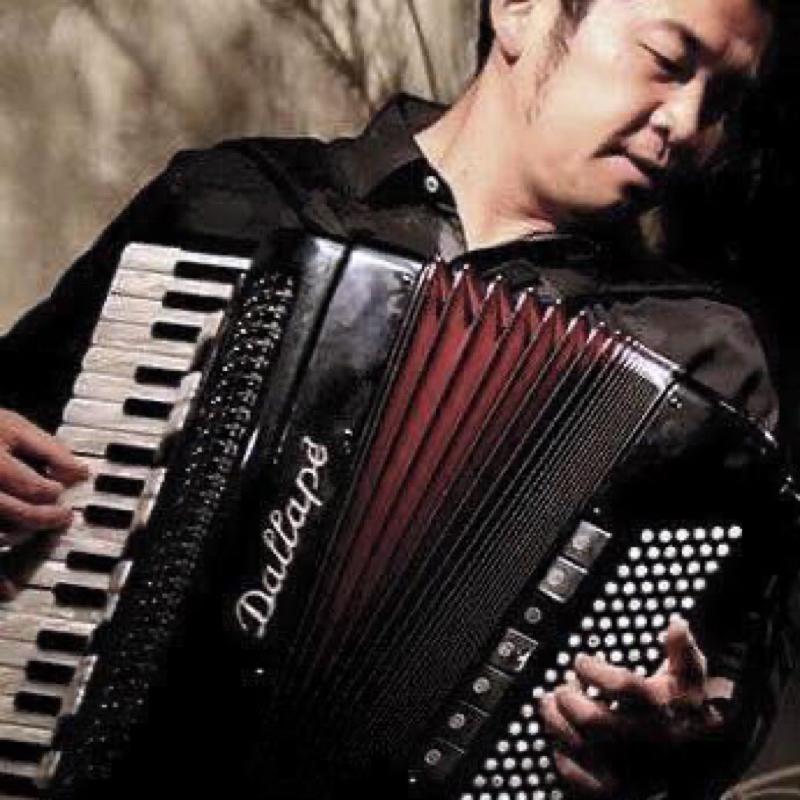 旅するアコーディオニスト 田ノ岡三郎さんがゲスト。