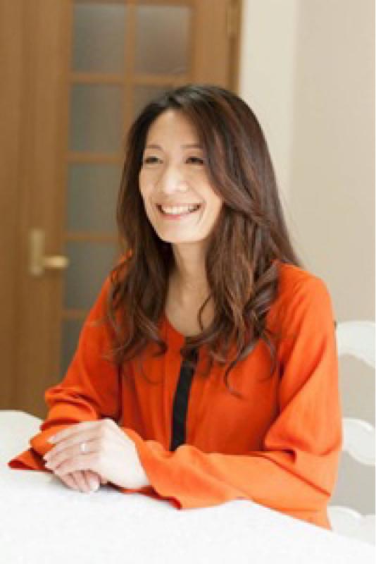 最近、クラブハウスを始めた、カラーアナリスト愛川静香さん。