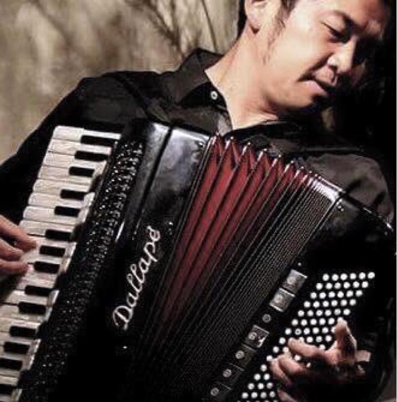 「漁港の肉子ちゃん」に参加! 目の離せないアコーディオニスト田ノ岡三郎さんがゲストです。