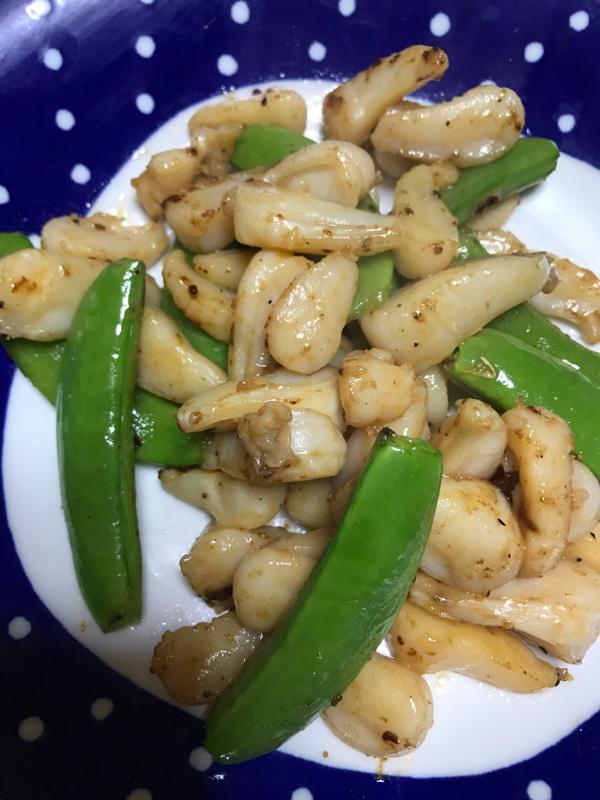 アコヤ貝とスナップエンドウのマヨ炒め