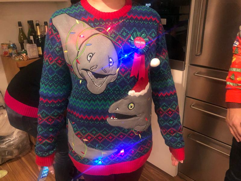 #17 ダサいクリスマスセーターで集まるパーティーが楽しかった話
