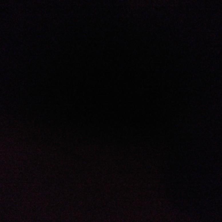 真っ暗の部屋