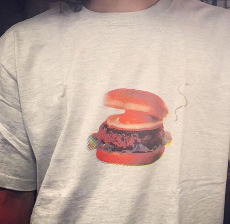 見て見てっハンバーガーTシャツ作ったんだよ