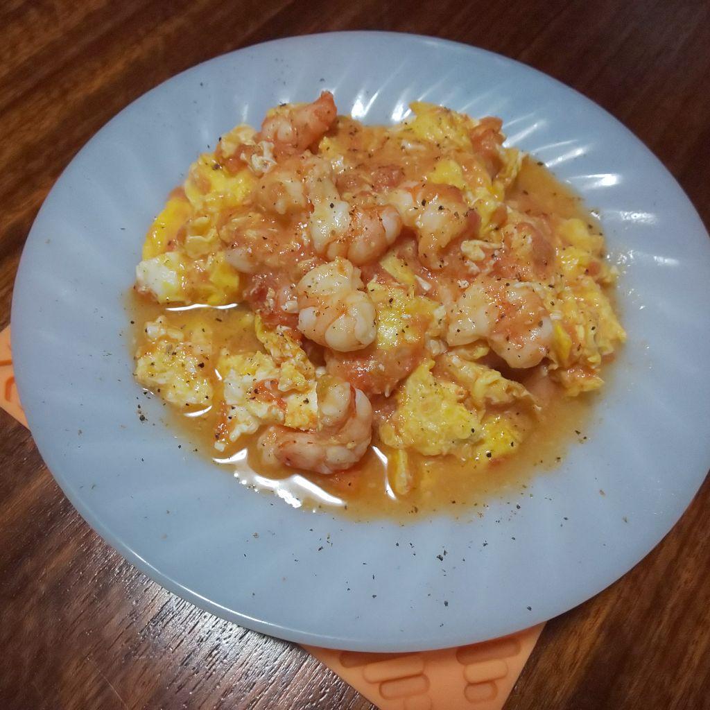 メイン15.海老とトマトの卵炒め