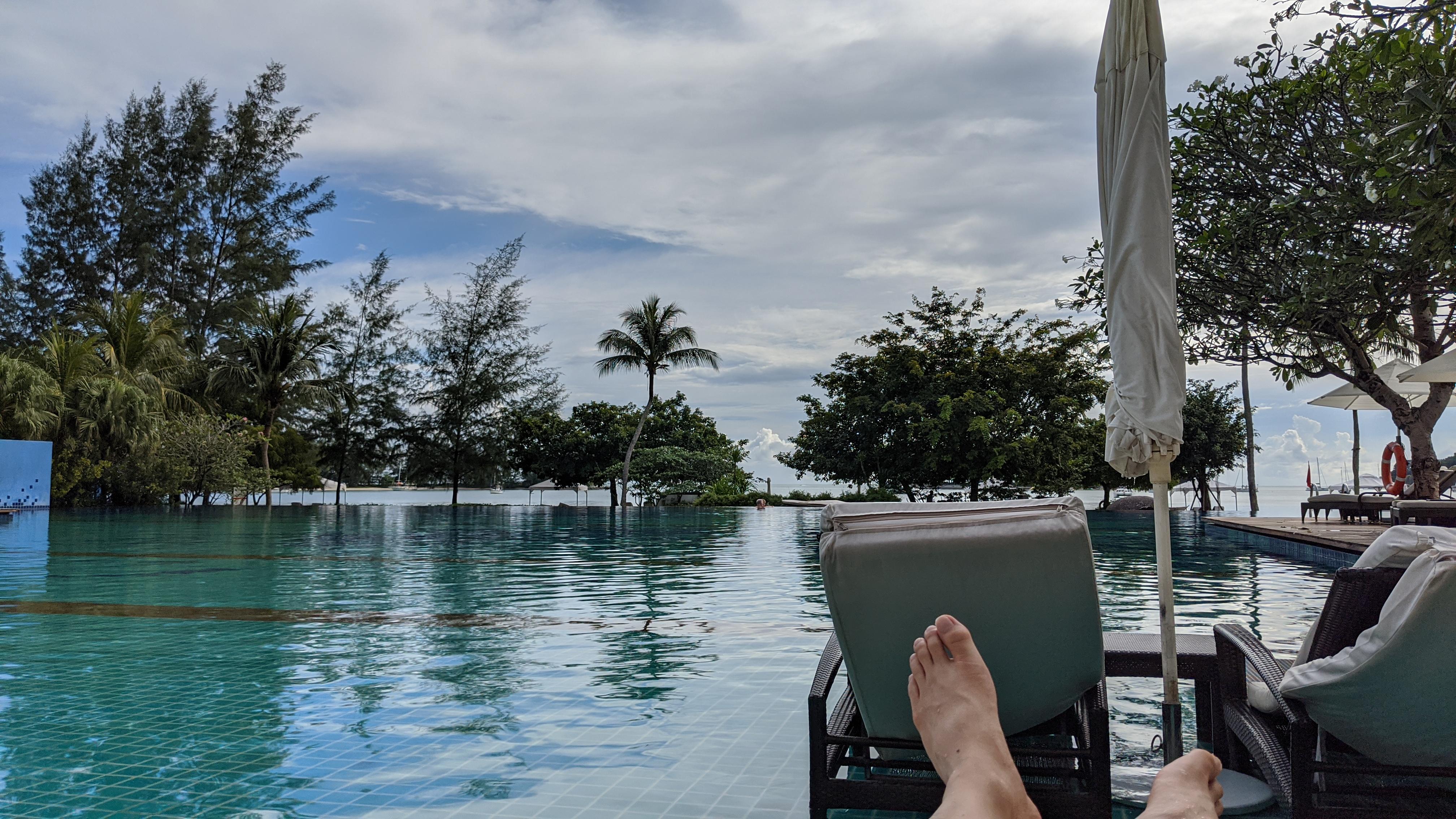 旅行を通して平泳ぎをマスターした、という話