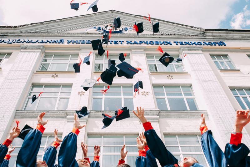 奨学金は借金、ほんとに大学は必要?【借金】