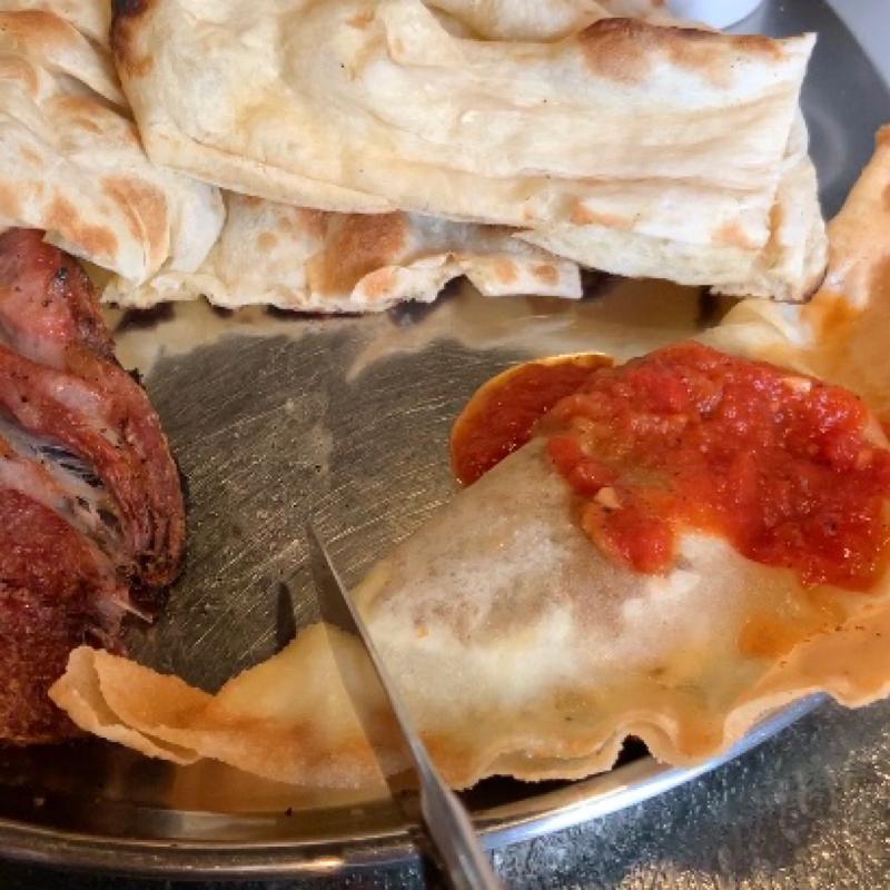 都内で食べられるチュニジア餃子