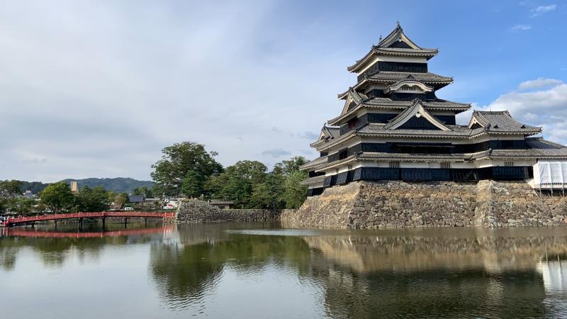 【圧巻】松本城は立ち寄るだけで圧倒される!〜オススメ国内旅行先〜