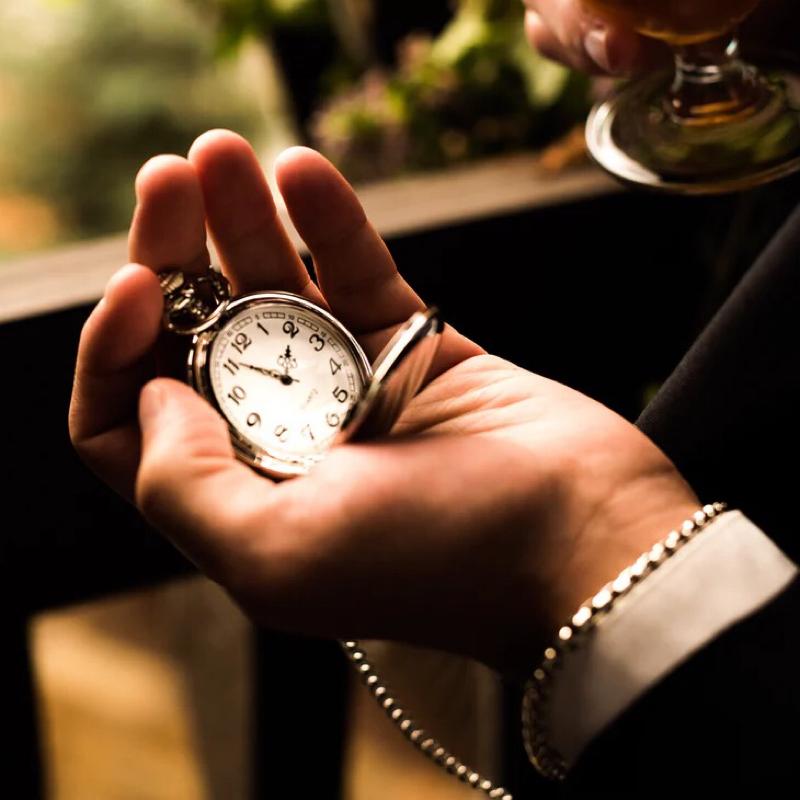 眠くなりそうな朗読「懐中時計」