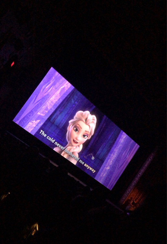 049 Frozen sing-along ♬