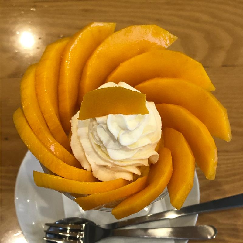 #214  『太陽のタマゴ』のパフェの食べ方